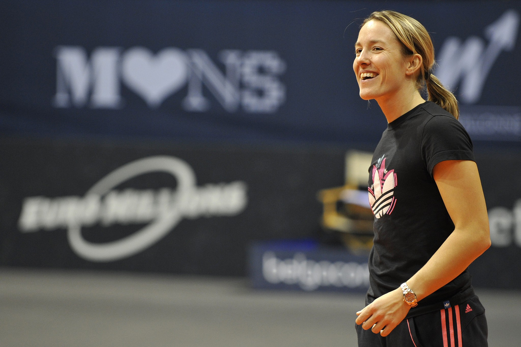Watch Justine Henin 7 Grand Slam singles titles video